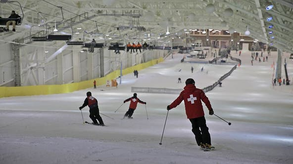 Long awaited indoor ski slope debuts at NJ megamall