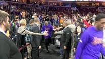 Kobe Bryant plays last game as LA Laker in Philadelphia