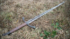 Man asks judge's leave for sword battle with ex-wife, lawyer