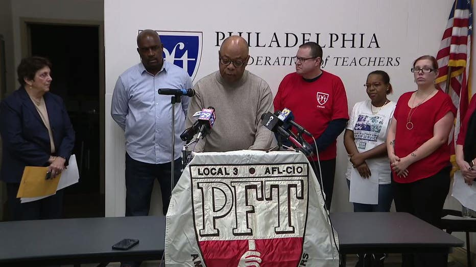 Philadelphia's teacher union announces lawsuit against school district