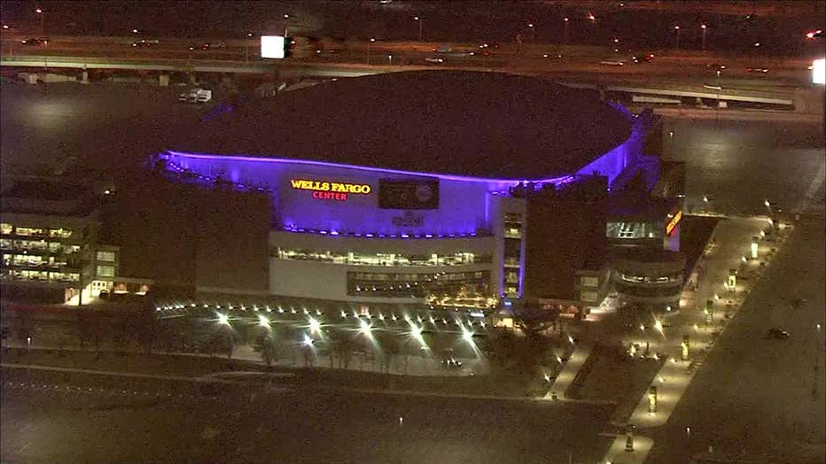 Wells Fargo Center lights up in honor of Kobe Bryant in the wake of his death.