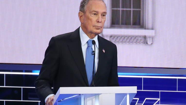 490f95e0-Democratic Presidential Candidates Debate In Las Vegas Ahead Of Nevada Caucuses