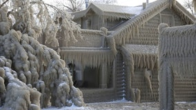 New York homes covered in ice, resemble 'Frozen' after storm brings strong winds, lake-effect snow