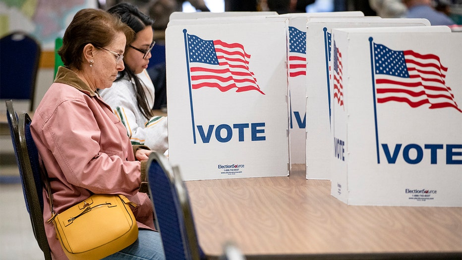 63c6b968-Voters In 14 States Head To The Polls On Super Tuesday