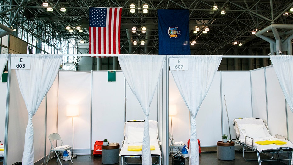 7a662a95-NY Governor Andrew Cuomo Holds Daily Briefing At Javits Center