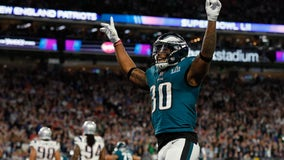 Eagles agree to terms with RB Corey Clement on one-year-deal