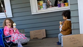 Parents create at-home ice cream store for kids during pandemic