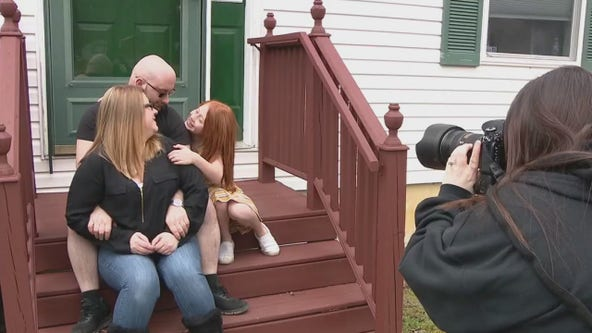 Front Steps Project celebrates family time with photographs