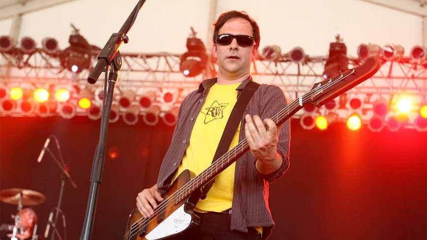 Fountains of Wayne musician Adam Schlesinger dies of COVID-19