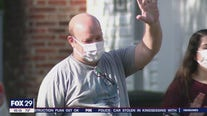 Community surprises Navy veteran who recovered from COVID-19 with welcome home parade