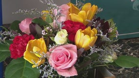 Bryn Mawr flower shop donates bouquets to healthcare workers with every order