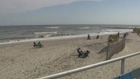 Beachgoers help rescue 3 distressed swimmers in Wildwood, police say