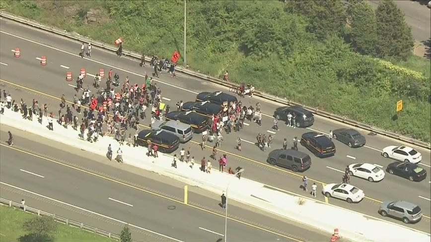 Protestors briefly shutdown I-95 in Wilmington in response to death of George Floyd