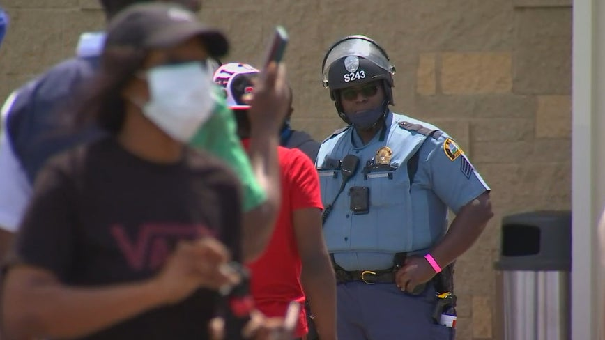 St. Paul mayor requests help from National Guard as riots spread in Twin Cities