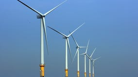 NJ aims to grab wind energy leadership with turbine facility