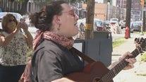 Singer surprises man with singing telegram on his birthday