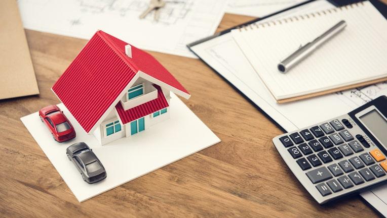 47c170b0-Credible-refinance-mortgage-best-and-worst-iStock-1001168078.jpg