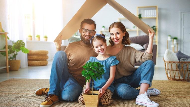 d96fe08f-Credible-refinance-house-rates-iStock-1146212883.jpg