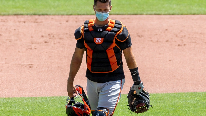 Giants catcher Buster Posey opts out of 2020 season