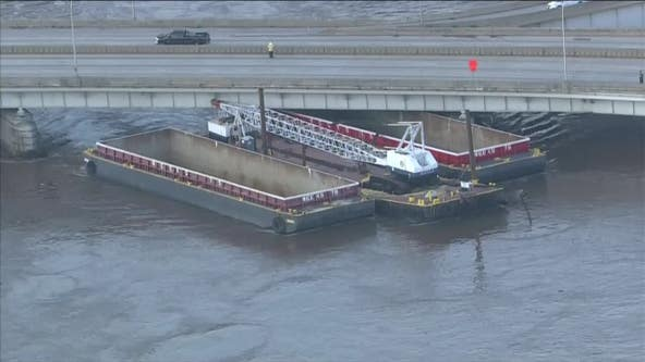 I-676 closed in both directions from I-76 to Broad Street due to unsecured barge, SEPTA impacted