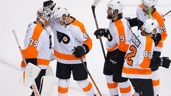 Flyers clinch top seed in East with 4-1 win over Tampa Bay Lightning