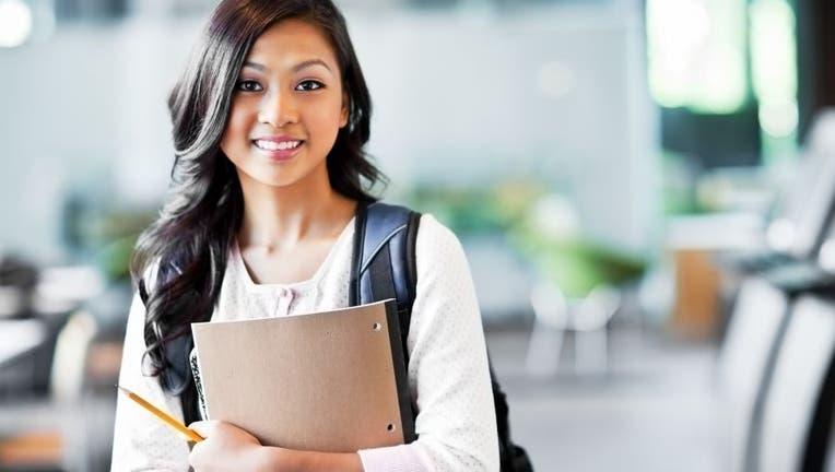 Credible-pro-con-student-loans-iStock-138017387.jpg