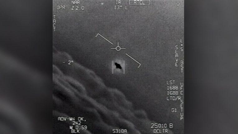 c1cc9ccf-V-NAVY RELEASES UFO VIDEOS 4A_WTVT3489_711.mxf.00_00_00_00.Still001