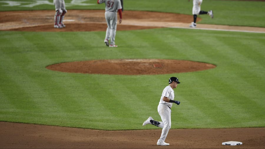 Phillies return from layoff, lose to Yankees 6-3