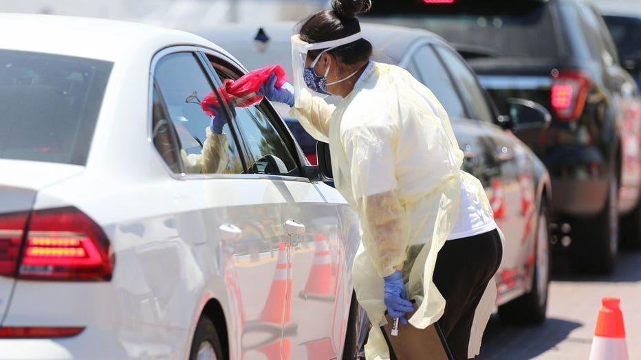 3c08fe68-U.S. Struggles With Coronavirus Amid A Surge Of New Cases