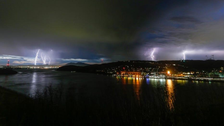Carquinez-straight-lightning.jpg