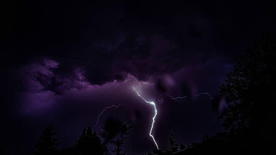 lightning-5.jpg