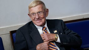 Football coaching legend Lou Holtz to get Medal of Freedom