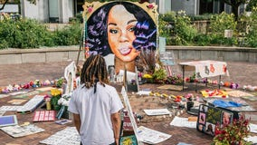 Breonna Taylor case: Police off-days canceled in anticipation of decision on charging officers