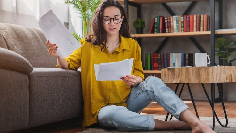 How much does it cost to refinance a student loan?