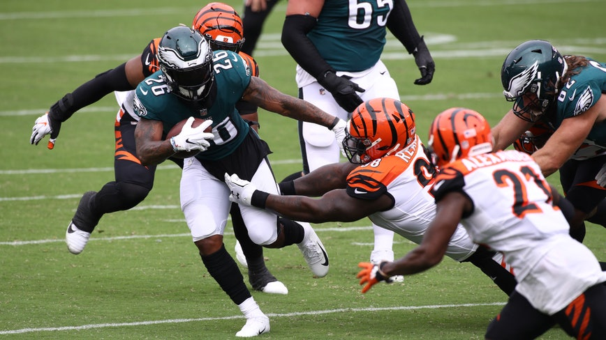 Eagles late rally against Bengals ends in tie, 23-23