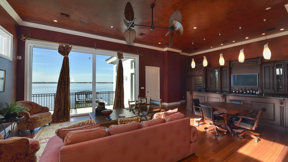 18.-Cigar-Lounge-with-Private-Balcony-and-Bar.jpg