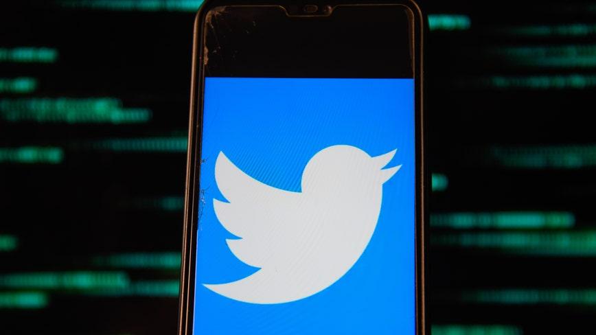 2 men breached NFL, NBA players' social media accounts, Feds say