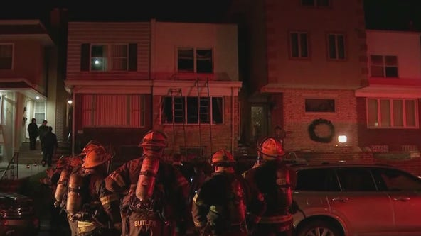 Pregnant woman, child injured in South Philadelphia house fire