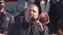 Garth Brooks performs 'Amazing Grace' at inauguration ceremonies