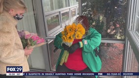 Kindness Matters: Woman delivers flower bouquets to brighten people's spirits