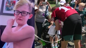 'You're still my hero': Young Eagles fan reacts to Carson Wentz trade report