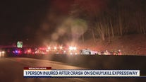 1 person injured after crash on Schuylkill Expressway