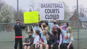 Parents, kids in Narberth voice frustration over closed outdoor basketball courts