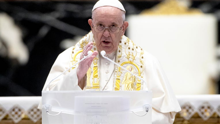 82d6db5c-Pope Francis Attends The Easter Mass and Delivers His Urbi Et Orbi Blessing