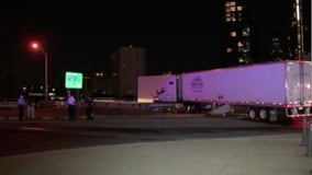 Tractor trailer crashes at 30th street; blocks traffic