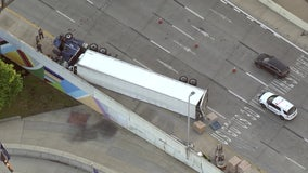 Overturned tractor-trailer near Ben Franklin Bridge slows traffic into Philadelphia