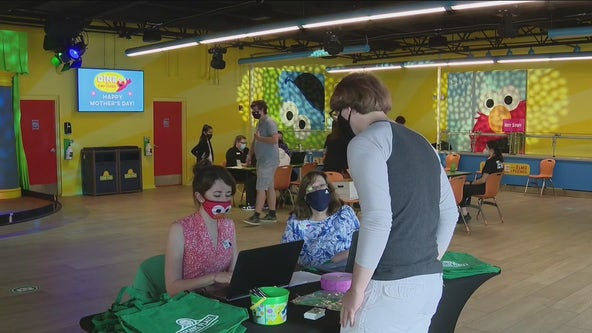 Sesame Place offering $1,000 sign-on bonus for summer employees