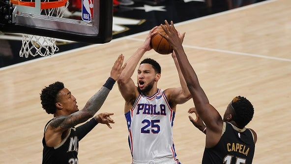 Curry, Harris help 76ers stay alive, hold off Hawks 104-99