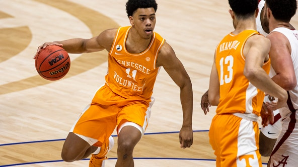Philadelphia 76ers take Tennessee guard Springer with 28th pick of draft