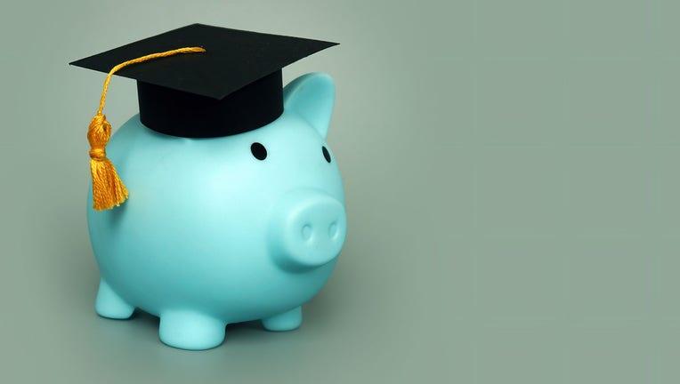 Credible-student-debt-iStock-1291354732.jpg